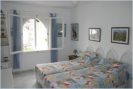 Twin Bedroom + Ensuite