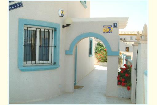 Gated property - Side Entrance
