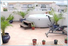 Private Roof Terrace + Jacuzzi