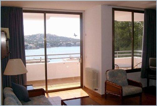 Apartment 31 lounge