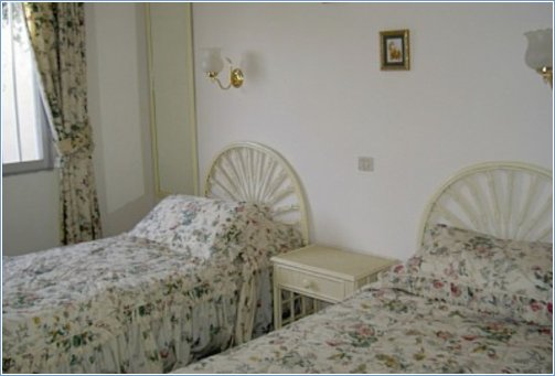 Spacious Twin bedroom