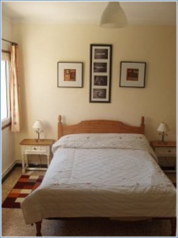 One of the 4 airconditioned bedroom