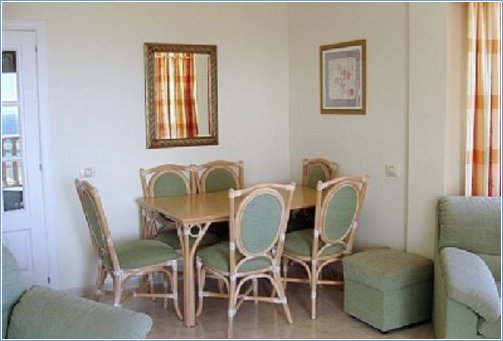 3 bed Dining area