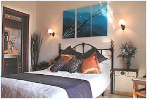 Master Bedroom with En suite bathro
