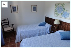 Twin Bedroom with shower en suite