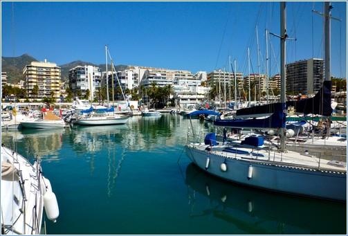 Marina & Yacht Club.