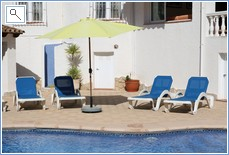6 sun beds in pool terrace