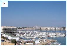Comprehensive marina at L'Escala with excellent Nautic Club