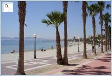 Los Alcazares beach promenade