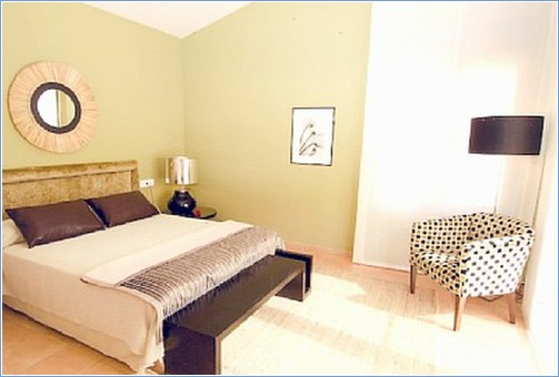 MAIN BEDROOM DRESSING ROOM ENSUITE BATHROOM