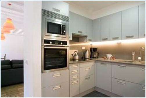 Fully equipped kitchen. All very modern, fridge/freezer, ove