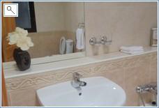 En-suite bathroom 3