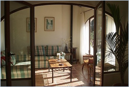sun room from dining room