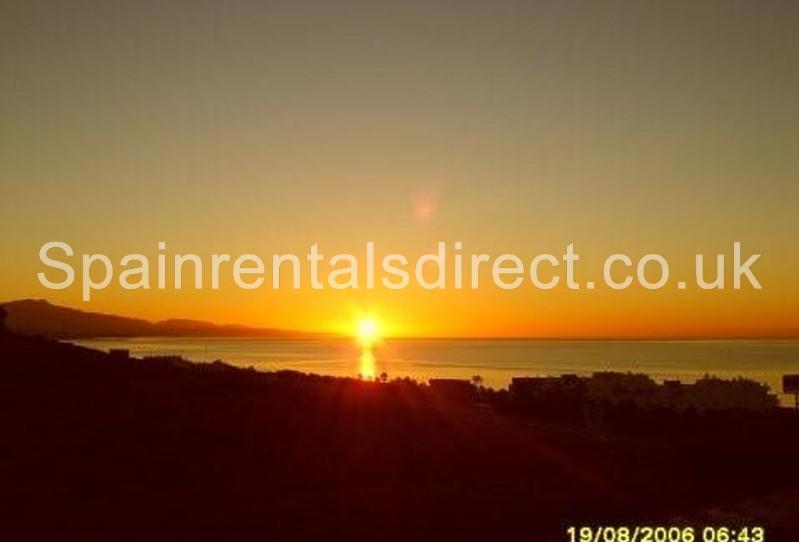 Casares accommodation caceres costa terrazas de la bahia for 63 seaview terrace sunshine beach