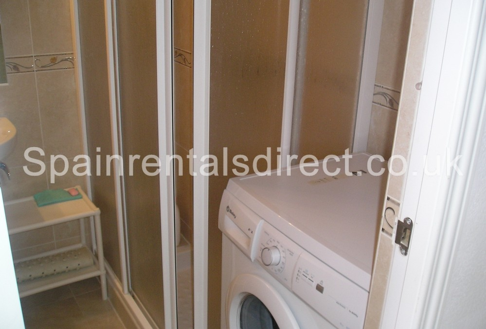Rent benalmadena apartments benalmadena costa hercules for Bathroom showrooms costa del sol