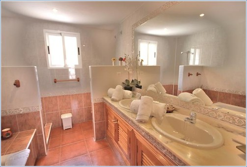 one of the 3 ensuites here at La Colina