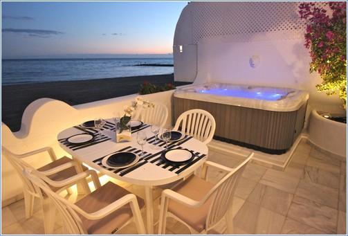 Paseo Maritimo, Venus Beach & Yacht Club.