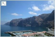 cliffs and harbour Los Gigantes
