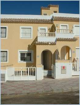 Gran Alicante holiday home with shared pool