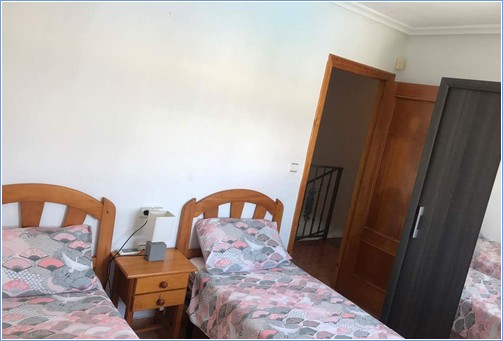 Twin bedroom with sliderobes on first floor