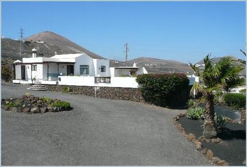 Rent Puerto del Carmen Villa