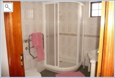 Luxurious ensuite power shower room