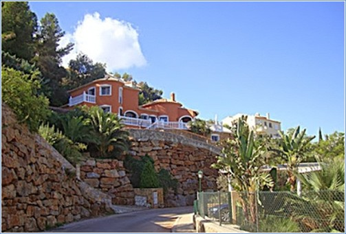 View of villa from the road