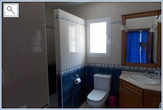 Downstairs ensuite shower and toilet