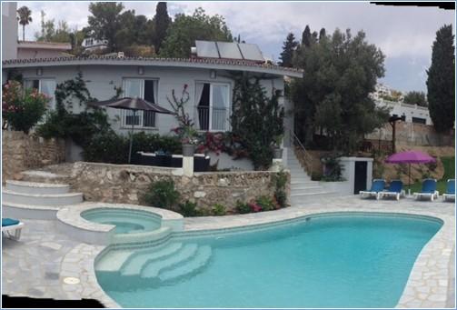 Rent Villa in Benalmadena