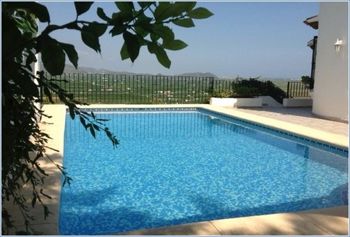 Rent Villa in Denia