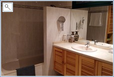 Ensuite bathroom with shower over bath + 2nd shower cubicle