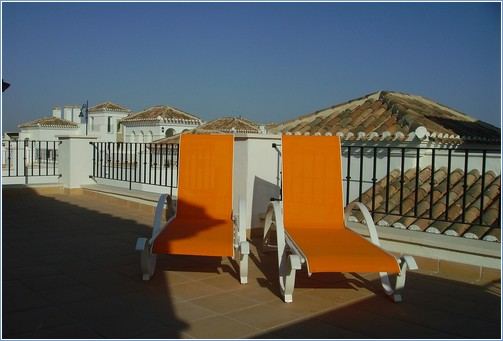 Sun on the roof terrace all day long, ideal for sunbathing
